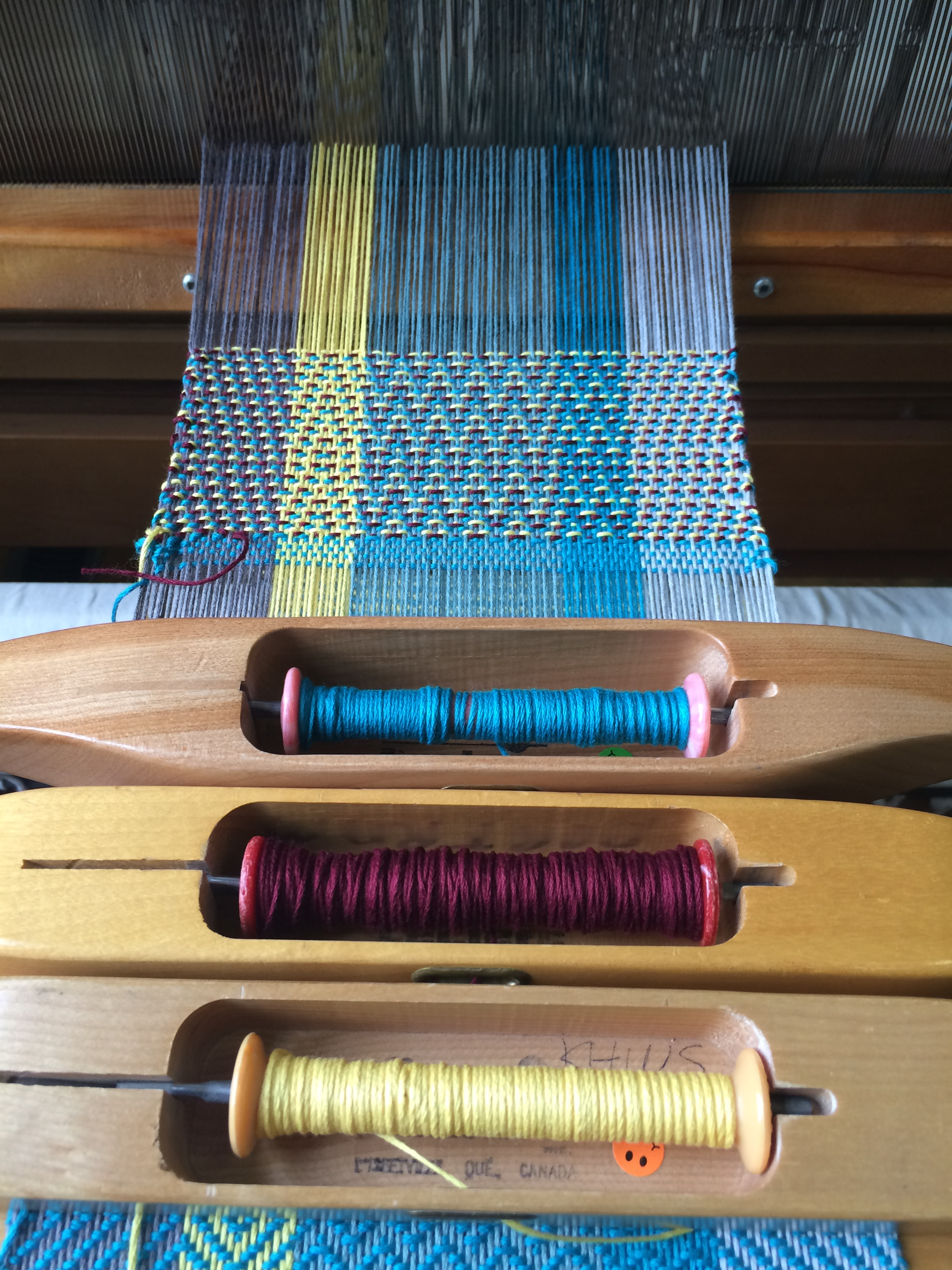 Getting fancy and weaving three colours